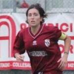 Simona Ceci, dirige e segna gol
