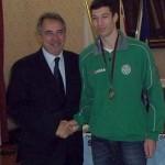 Il sindaco Cosimi premia Federico Lari, atleta dell'anno 2012